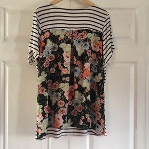 Avenue Casual Top size 14/16 striped floral